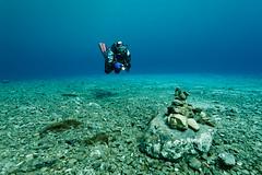 0907_0003.jpg (johannes+elke) Tags: elke personen tauchen unterwasser weitwinkel trags sportaktivitten seacam5d unterwasserausrstung pvl2035superdome