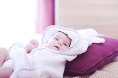 (Luis Hernandez - D2k6.es) Tags: family light portrait baby sun luz sol 50mm born dof 14 desenfoque solor irais enfoque