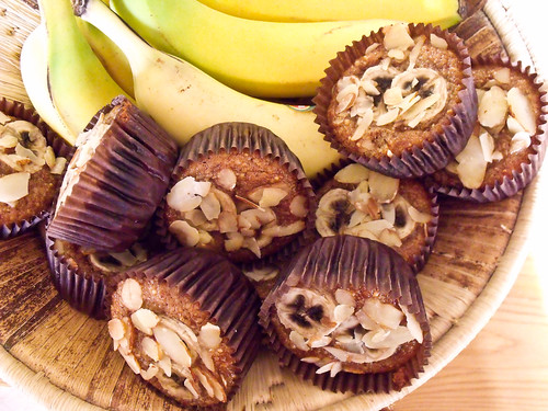 almondbananamuffin_RT