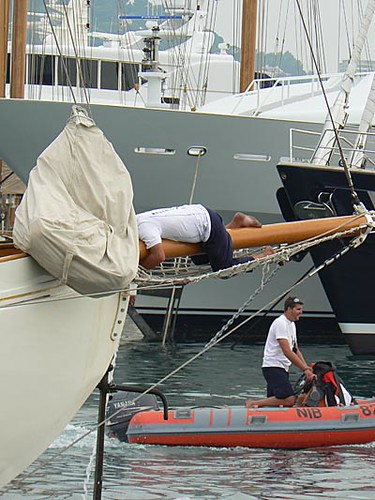 régates royales, marin en manoeuvre 2.jpg