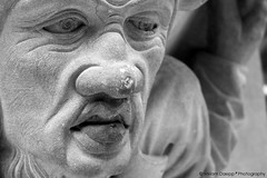 The weight of the world (Miriam Daepp) Tags: barcelona city urban london reflections germany switzerland losangeles citylife streetphotography istanbul lausanne venicebeach bern duesseldorf cityscenes gehryhouse gehryarchitecht
