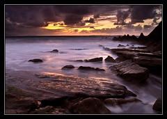 Tal como ramos (Jashir) Tags: sunset sun seascape sol beach clouds marina canon landscape atardecer spain sundown playa nubes 7d sunrays bizkaia ocaso vasco euskadi vizcaya pais rayosdesol getxo azkorri tamronspaf1750mmf28xrdiiildasphericalif blackcardtechnique canoneos7d mygearandme mygearandmepremium mygearandmebronze mygearandmesilver mygearandmegold mygearandmeplatinum mygearandmediamond cartulinanegra