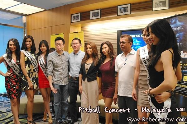 Pitbull Malaysia 2011 Press con-3