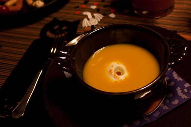 halloween :: sopa de abóbora com olhos