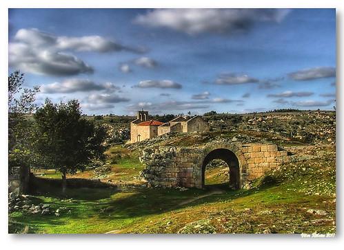 Castelo Mendo by VRfoto