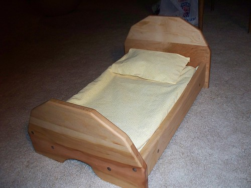 doll bed and oak glen 004