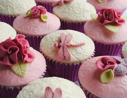 Pretty Pink Mother's Day Cupcakes