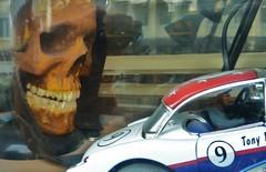 Schaufenster / Slotter´s Paradise (micky the pixel) Tags: toy skull schweiz switzerland schaufenster zürich spielzeug shopwindows slotcar schädel slotter´sparadise