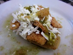 Tlacoyo (Julio Martinez) Tags: food mexico df dish tlacoyo
