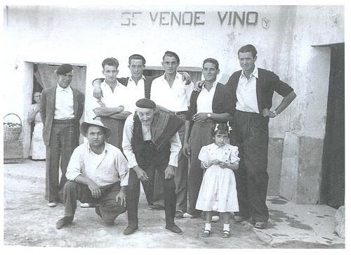 El abuelo, la nieta y el vino