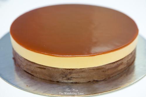 Mirror Caramel cake