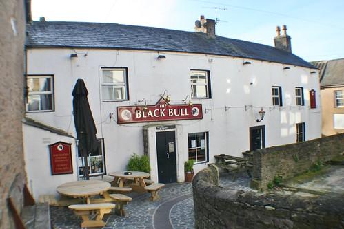 Black Bull Pub, Haltwhsitle