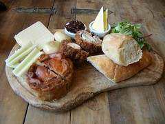 Ploughman's Board (Mr. Ducke) Tags: english lunch pub