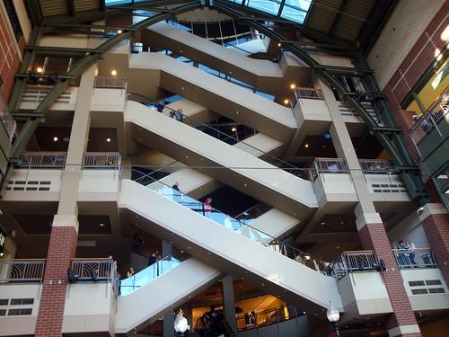 Escalators, Riverpark Square