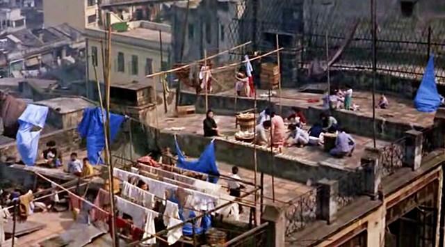 worldofsuziewong_roof_laundry