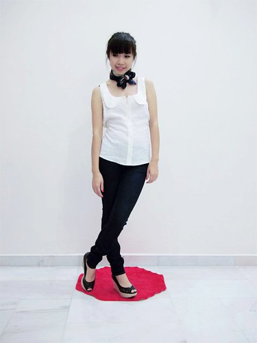 100_White Peter Pan Collar Top