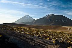 Juriques y Licancabur (Ricardo Martinez Fotografia) Tags: chile sunset atardecer volcano nikon atacama altiplano volcanes copec licancabur d7000 juriques
