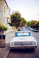 San Francisco, how I love thee. (Jinna van Ringen) Tags: sanfrancisco ford vintagecar 50mm14 frisco carlzeiss vintageford jorindevanringen jinnavanringen