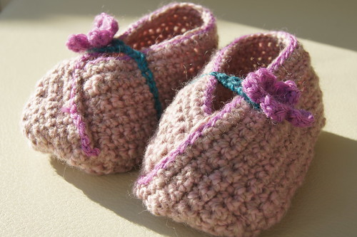 Crochet booties from handspun yarn