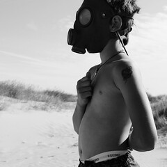 (ERVON ES) Tags: boy explore gasmask explorefrontpage ervones