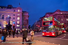 "Piccadilly Circus <a style=""margin-left:10px; font-size:0.8em;"" href=""http://www.flickr.com/photos/24828582@N00/6315796751/"" target=""_blank"">@flickr</a>"