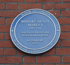 Photo of Robert Nesta Marley blue plaque