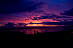 Hawaiian Sunset 4571 (casch52) Tags: ocean sunset red sky people cloud beach water beautiful silhouette clouds canon walking landscape hawaii harbor photo colorful purple pacific waikiki oahu jetty photograph pearl 50d explorer50
