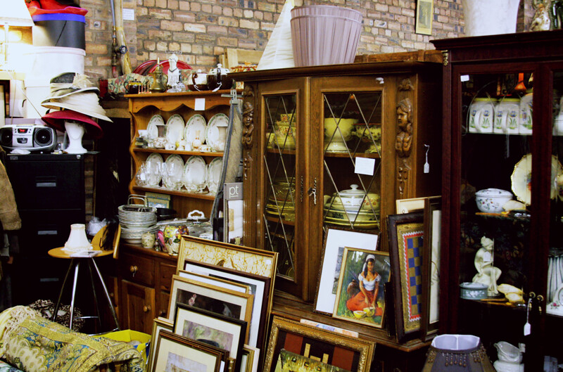 Glasgo Antiques4.JPG_effected