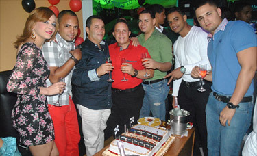 Sábado en Soberano Liquor Store + Happy Birthday Titi