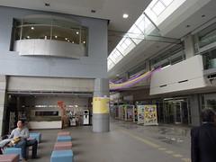 大野城市 図書館・多目的ホール複合施設 まどかぴあ