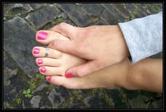 feet shots 079 (fcfoto1) Tags: foot feet toes toering fse fsse zehen zehenring barfuss barfus barefoot barefeet pied footshooting footmodel girl next door
