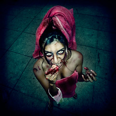 Enjoy your Shower Time (Luis Montemayor) Tags: girl zombie flash towel ringflash zombiewalk zombiewalkmexico zombiewalkmexico2011