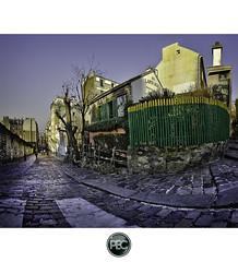 Au lapin agile - Montmartre Paris (_PEC_) Tags: paris france night photoshop canon photo high pix long exposure photographie village dynamic image au tripod picture engine pic montmartre coeur du sacre l 5d 24 28 usm pause rue 70 range nuit hdr lapin parisian sacr 2012 manfrotto photographe agile mark2 pec calvaire longue 2011 trepied oloneo
