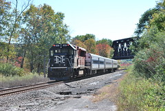 Towners (grumpyff) Tags: railroad ny electric train diesel 127 mta locomotive metronorth brookville towners bl20gh
