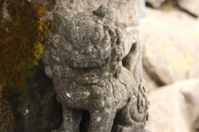 岩木山山頂神社の狛犬(右)