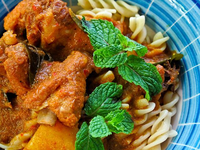 IMG_1662 Curry pork rib and spiral spaghetti