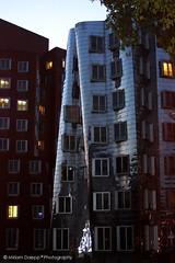 Gehry house (Miriam Daepp) Tags: barcelona city urban london reflections germany switzerland losangeles citylife streetphotography istanbul lausanne venicebeach bern duesseldorf cityscenes gehryhouse gehryarchitecht
