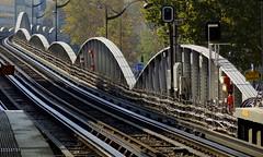 Métro aérien - Elevated Subway, Quai de la gare, Paris (blafond) Tags: paris france subway frankreich track metro tube rail frankrijk elevated francia iledefrance frankrike aerien quaidelagare