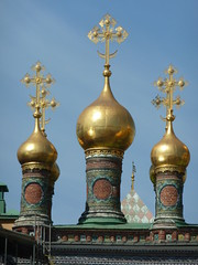 Moscow, Russia, Cupolas Atop a Kremlin Church (in Explore 10/25/11) (lalobamfw (Thanks for 3.5+ Million Views)) Tags: church night go