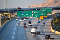northbound I-15 at SR-201  exit 305 (CountyLemonade) Tags: utah saltlakecity freeway signage exit i80 freewaysign interchange wasatchfront i15 interstate15 spaghettibowl sr201 biggreensign hovlane highoccupancyvehicle highmastlighting