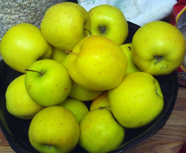 Organic Yellow Delicious Apples