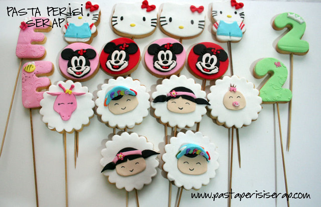 Pepee-hello kitty- minnie mouse cookie