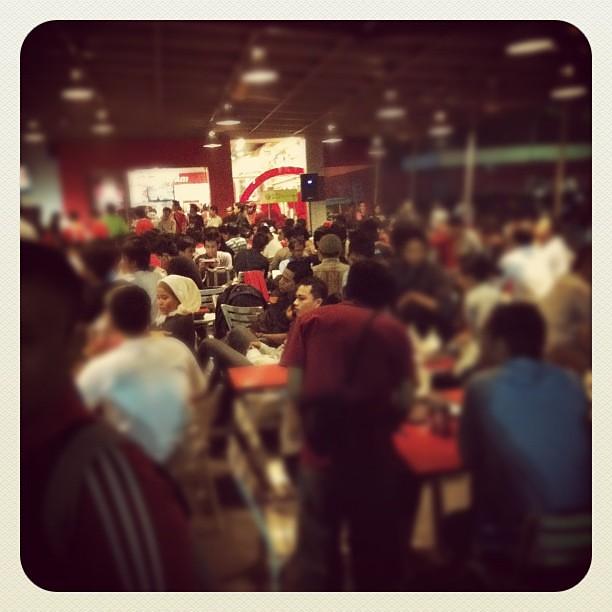 Crowded #kfc #hiporia #surabaya #seagames #indonesia #malaysia #iphoneography #instagram #instago