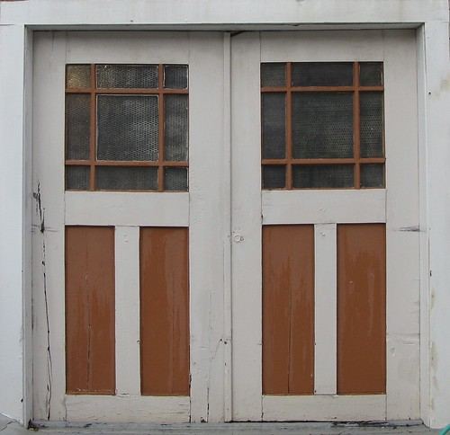 garage door, scrubbed