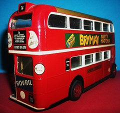 London transport RT54 in 1/50th scale. (Ledlon89) Tags: bus london transport lt londonbus londontransport solido scalemodels scaleddown aecregent rtbus modelbusesandcoaches