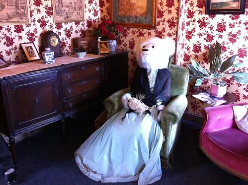 Teddy bears dressed as people