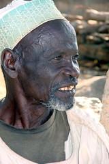Kamerun (Nov. 07) (Syydehaas) Tags: fish trekking shoa native chief banco fisch afrika ethnic poisson chari tourou baobab westafrika douala cameroon fon cameroun afrique fulani sahel kamerun limbe ringroad bamenda tikar knigreich kotoko peul grasland abenteuer yaound bororo maroua kofia wazanationalpark foumban bansoa fulbe rhumsiki goulfey bafoussam bafut bandjoun garoua chefferie bamoun chaririver westcameroon africawest bamilk zentralafrika reybouba ngaoundr mandaramountains roumsiki kanuri afriqueouest jaounde tschadsee lactschad laketschad ekonflle westkamerun nordkamerun nordcameroon africcentrale charifluss mandaraberge luconebirni highflyer261 syydehaas