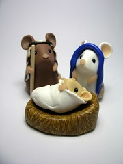 The Holy Family (QuernusCrafts) Tags: cute angel mouse star sheep donkey mice polymerclay threewisemen oxen stable nativity babyjesus christmasnativityset threeshepherds quernuscrafts