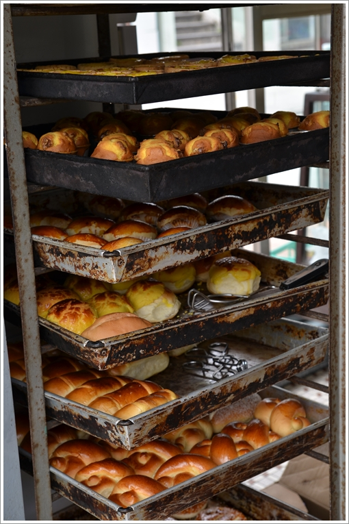 Fresh Breads @ Ruo da Cunha