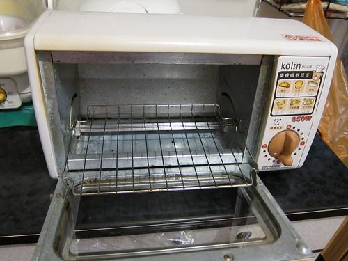 烤箱內部也要常清